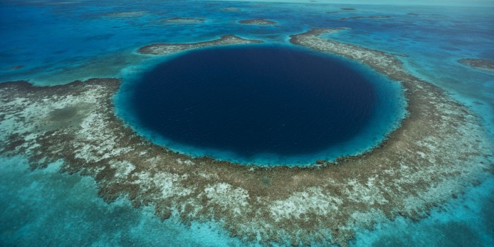 JAD DAVENPORT/National Geographic Parco Naturale Great Blue Hole, Distretto di Belize, Belize.